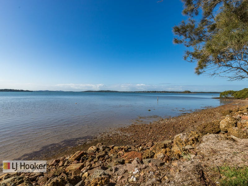 25 & 25A Waterfront Road, Swan Bay, NSW 2324