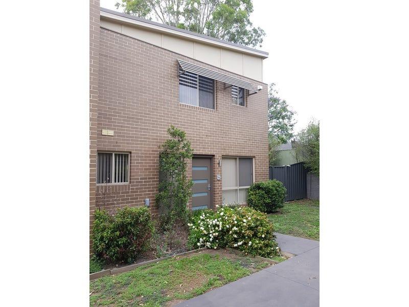13/400 Glenmore Parkway, Glenmore Park, NSW 2745