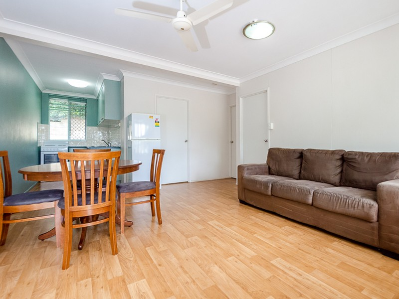 Unit 1/26 Grayson Street, West Gladstone, Qld 4680