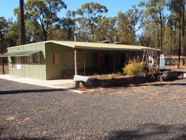 44 Peacock Rd, The Pines, Qld 4357