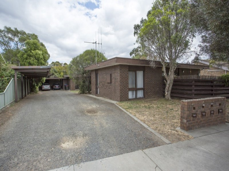 2/26 Woodbury Street, Bendigo, Vic 3550