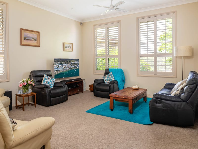 5 Banks Place, Sunshine Bay, NSW 2536