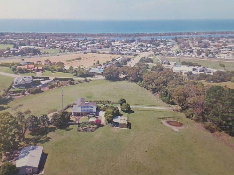 90 Palmers Road, Lakes Entrance, Vic 3909
