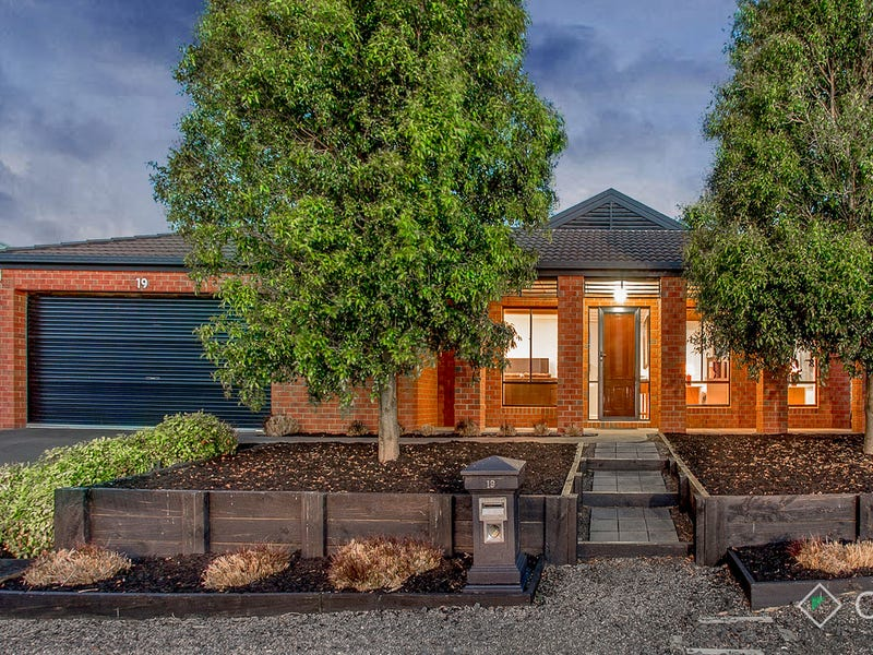 19 Cromwell Lane, Cranbourne East, Vic 3977