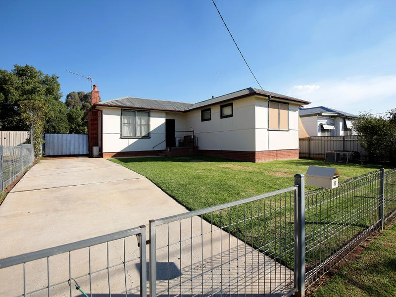 16 Doyle Avenue, Mount Austin, NSW 2650