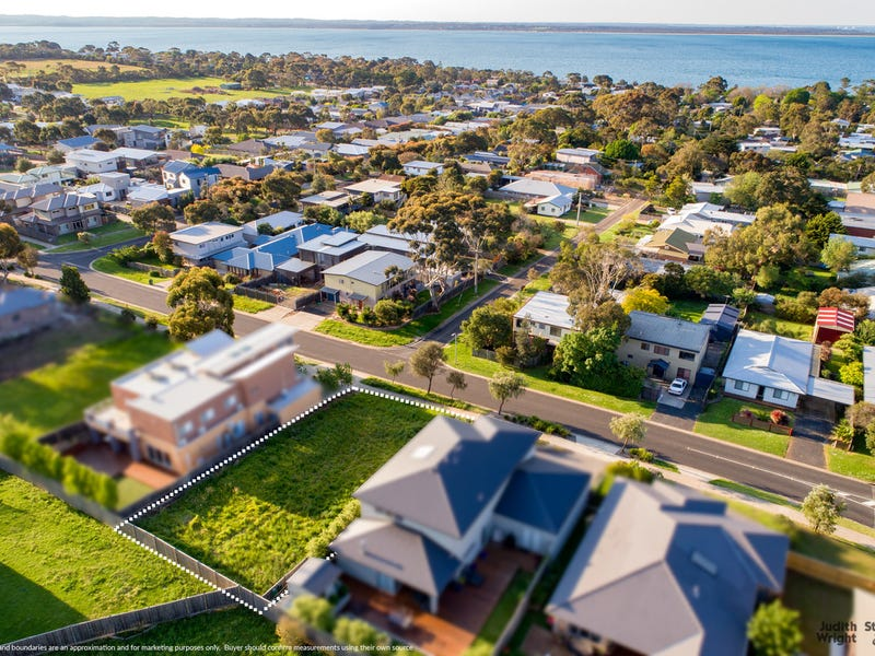401 Settlement Road, Cowes, Vic 3922