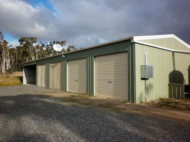 242 Tiyces Lane, Goulburn, NSW 2580