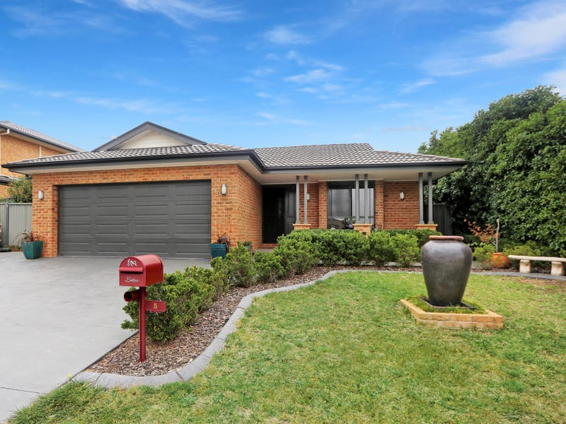 5 Hazelwood Place, Goulburn, NSW 2580
