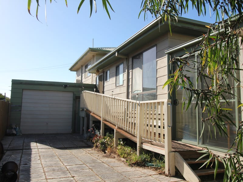 4 Links Street, Surf Beach, Vic 3922