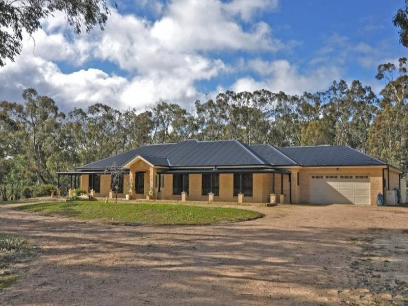 14 Borrow Pit Road, Meadow Flat, NSW 2795
