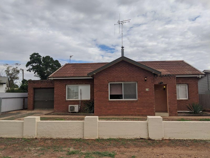 18 Hartigan Avenue, Parkes, NSW 2870