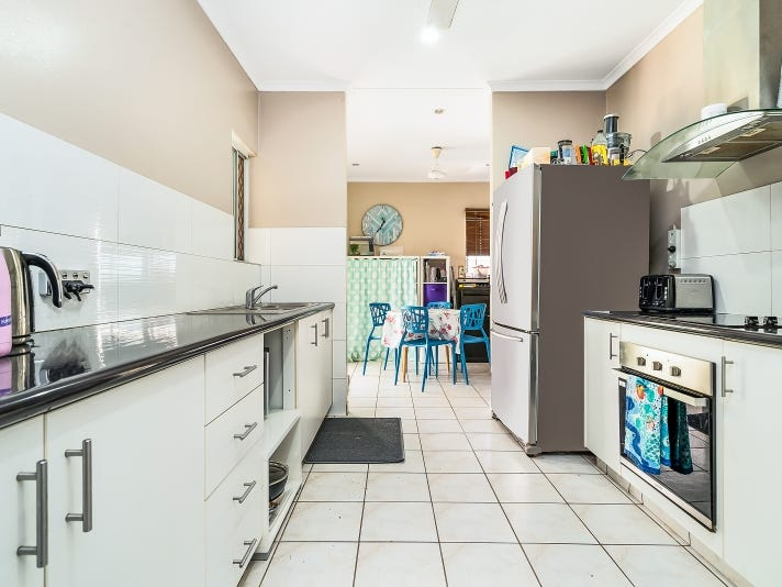 31 Hutchison Tce, Bakewell, NT 0832