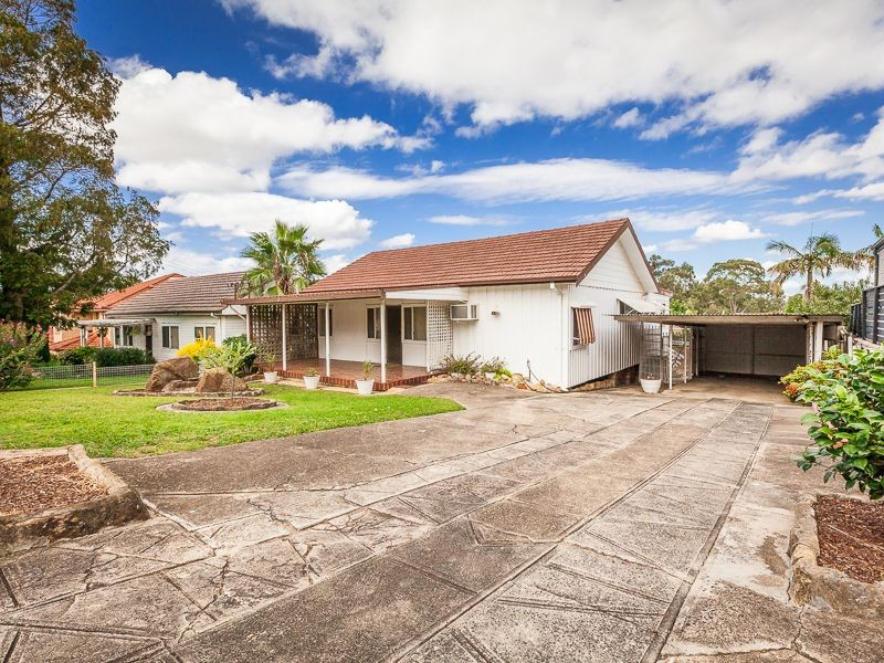 8 Calla Grove, Pendle Hill, NSW 2145