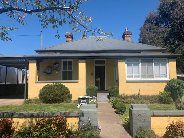 21 Denison Street, Crookwell, NSW 2583
