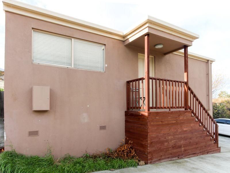 Unit 1/5 Aloomba Place, Herdsmans Cove, Tas 7030