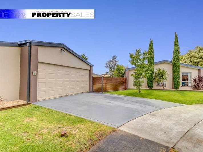6 Hall Court, Newborough, Vic 3825