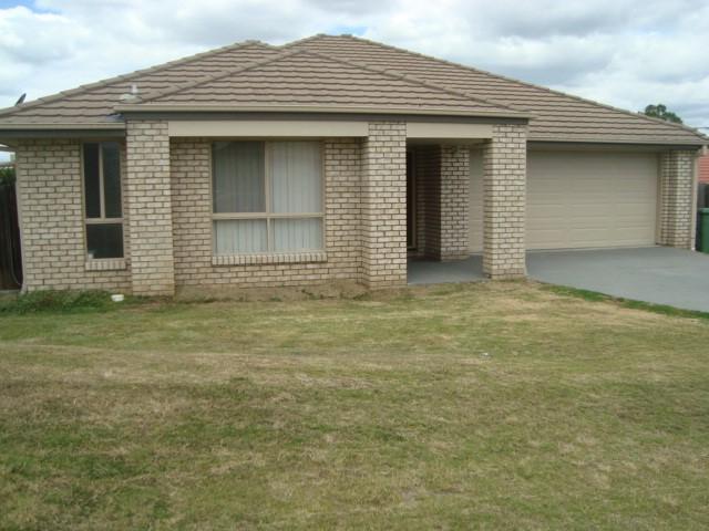 14 Rhiannon Drive, Flinders View, Qld 4305