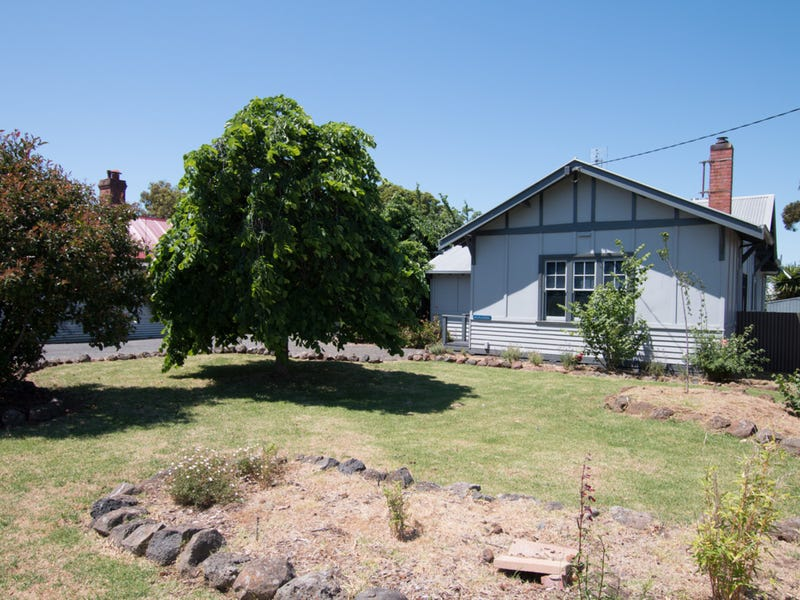 69 Scott Street, Mortlake, Vic 3272