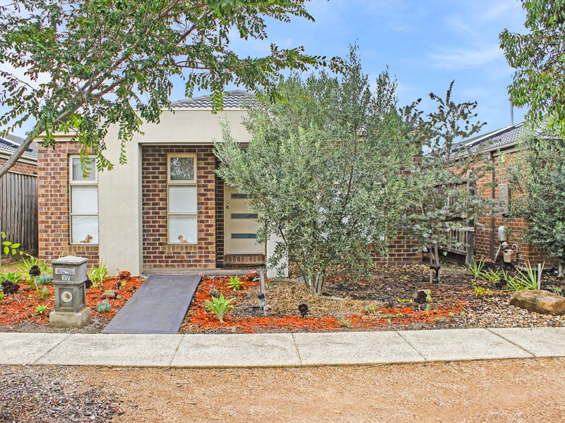 32 Waves Drive, Point Cook, Vic 3030