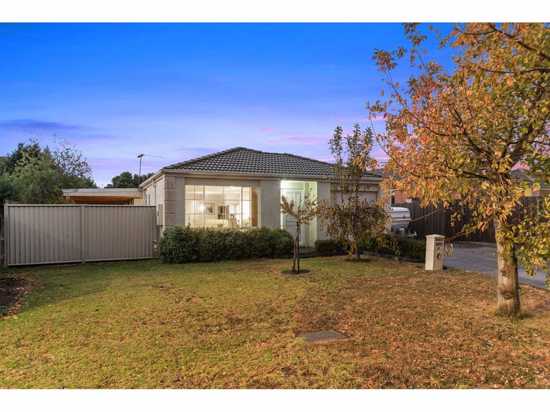 4 Helmsdale Court, Cranbourne West, Vic 3977