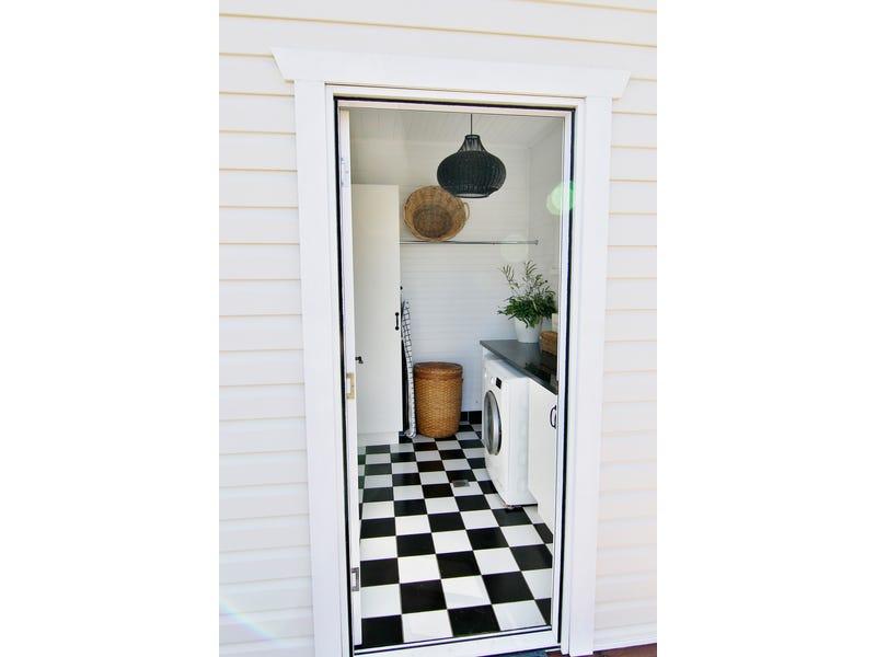 66 Osman Street, Blayney, NSW 2799