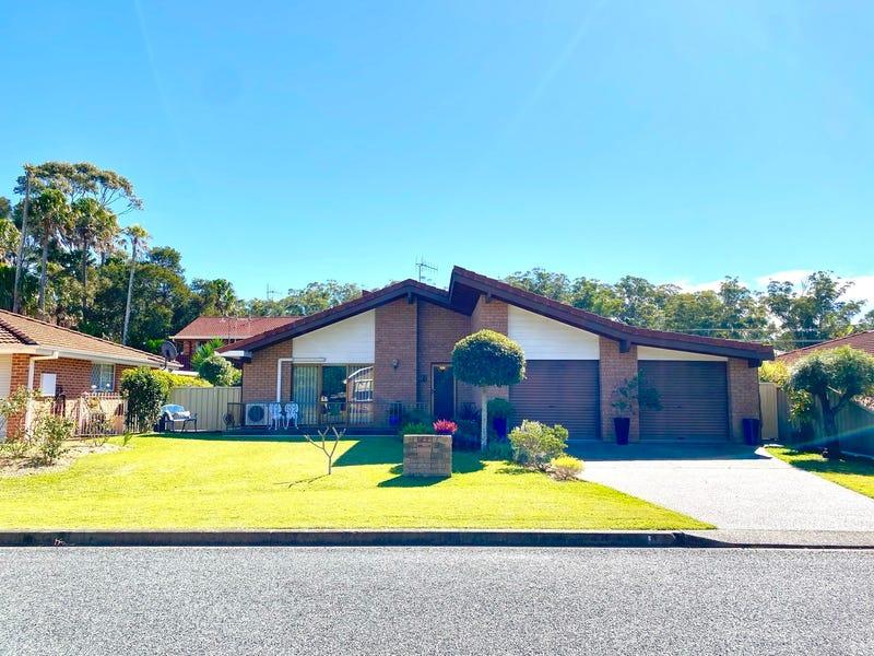 9 Lachlan Avenue, Tuncurry, NSW 2428
