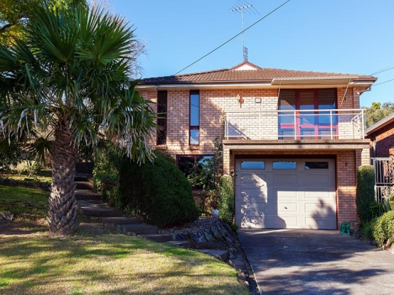 111 Amaroo Avenue, Georges Hall, NSW 2198