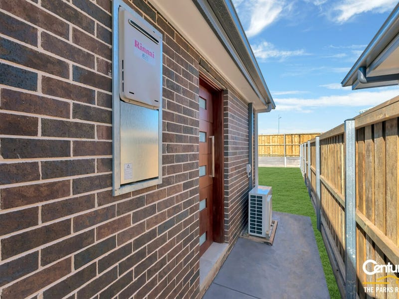 16a Kinghorne Street, Gledswood Hills, NSW 2557