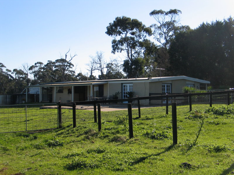 1710 WESTERNPORT ROAD, Heath Hill, Vic 3981