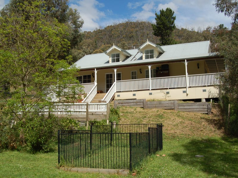 27 LONG GULLY ROAD, Flowerdale, Vic 3717