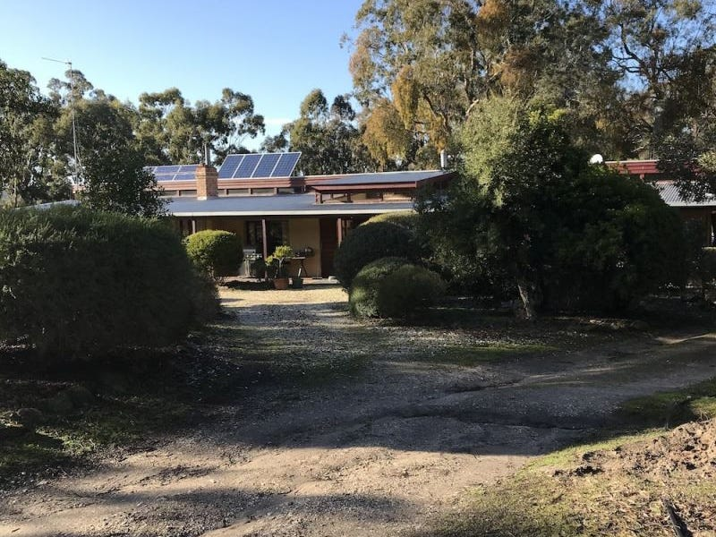 94 Dreamers Hill Rd, Linton, Vic 3360