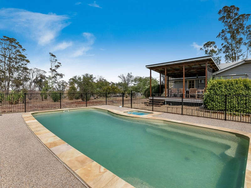 12 Louttit Court, Gowrie Mountain, Qld 4350