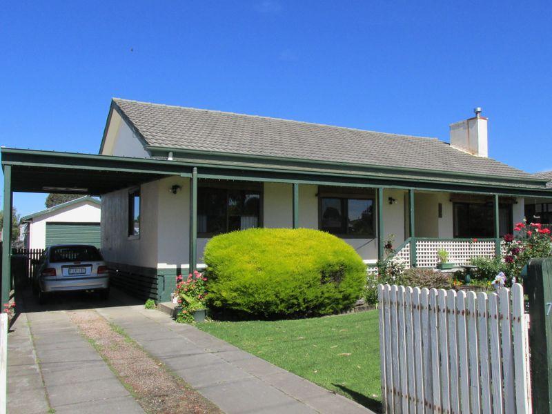 79 Bredt Street, Bairnsdale, Vic 3875