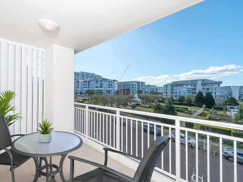 305/4 Rosewater Circuit, Breakfast Point, NSW 2137