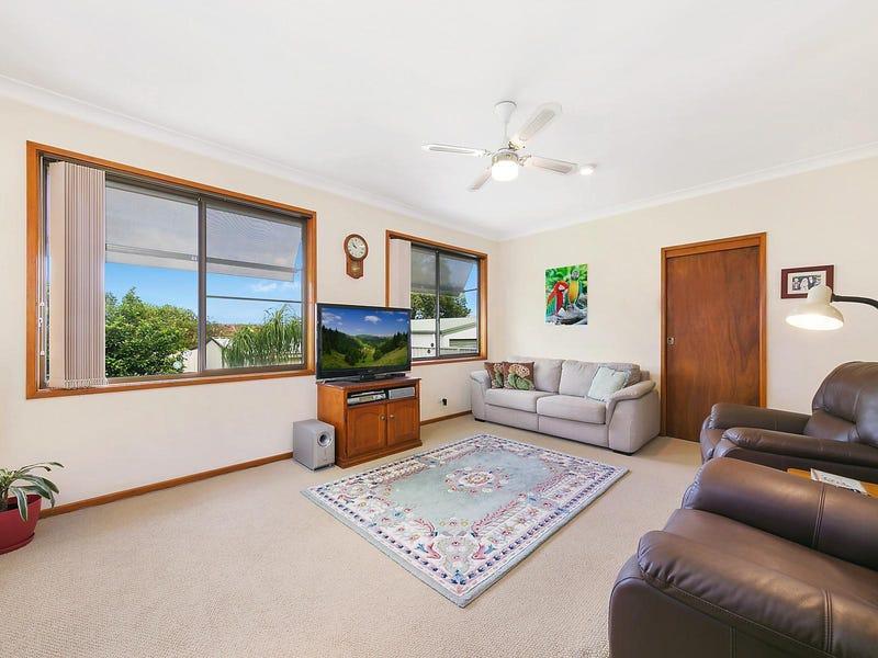 8 Conmurra Circuit, Shortland, NSW 2307