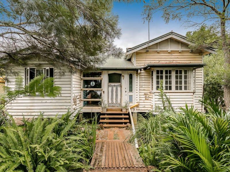 80 Bridge Street, East Toowoomba, Qld 4350