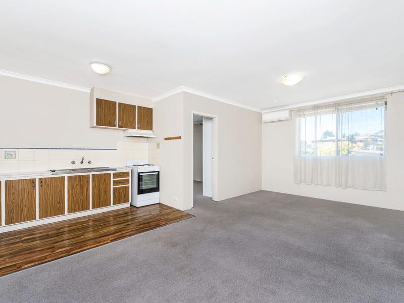 8/56 Crest Road, Queanbeyan, NSW 2620