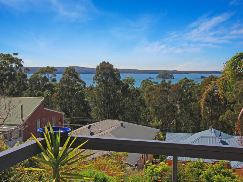 1/25 Calga Crescent, Catalina, NSW 2536