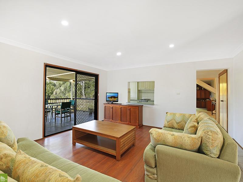 1 Coral Crescent, Unanderra, NSW 2526