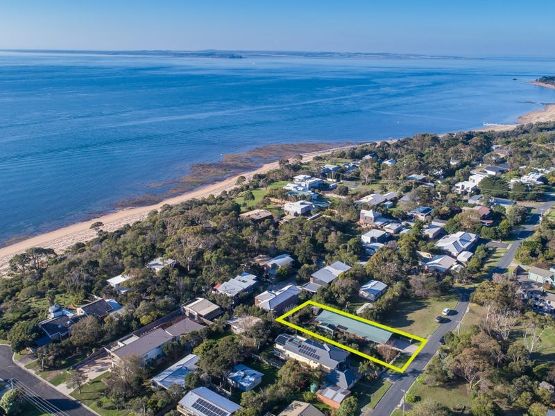 31 CHILLINGWORTH ROAD, Cowes, Vic 3922