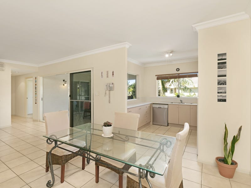 1013/2 Greenslopes Street, Cairns North