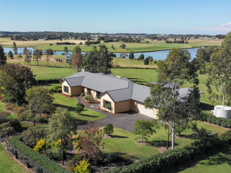 102 Foresthill Drive, Oakhampton Heights, NSW 2320