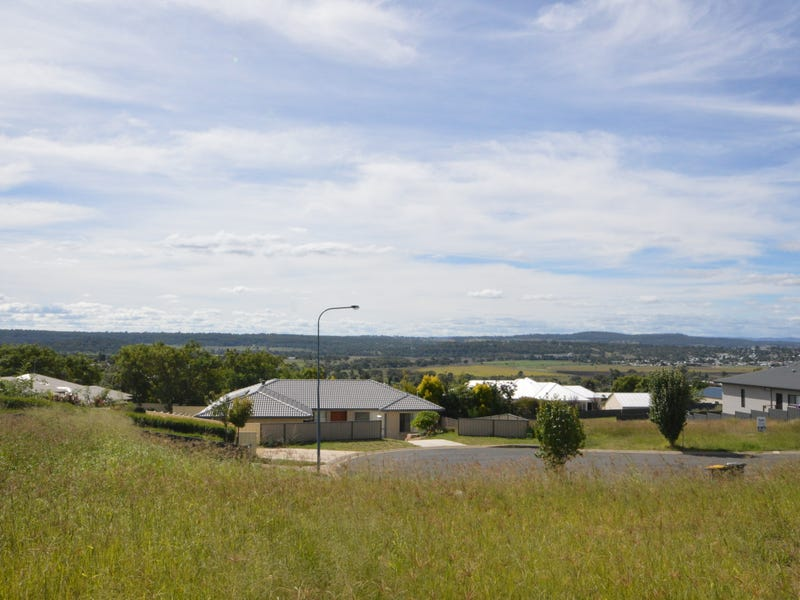 7 Lookout Place, Warwick