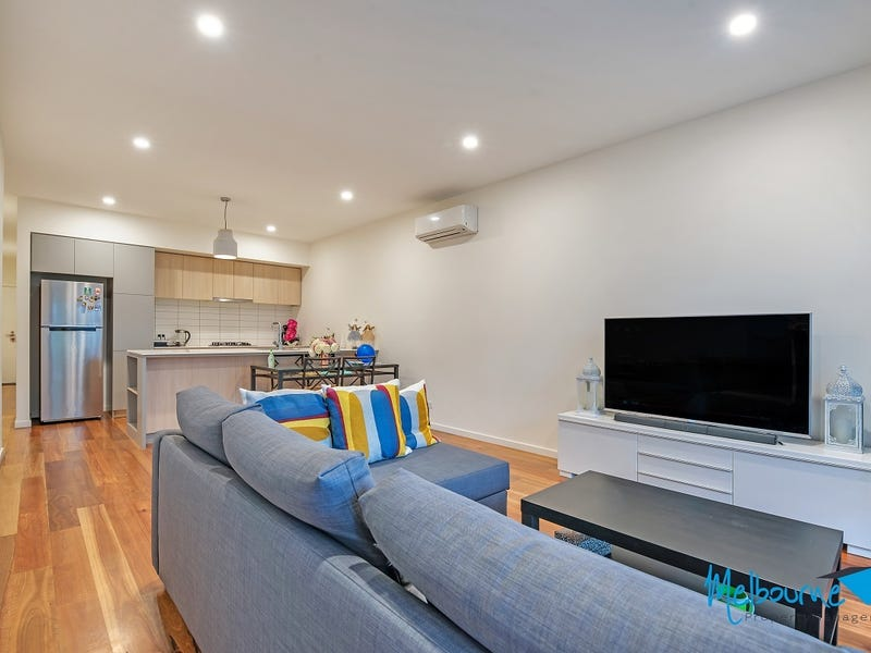 16 Sharp Circuit, Mill Park, Vic 3082