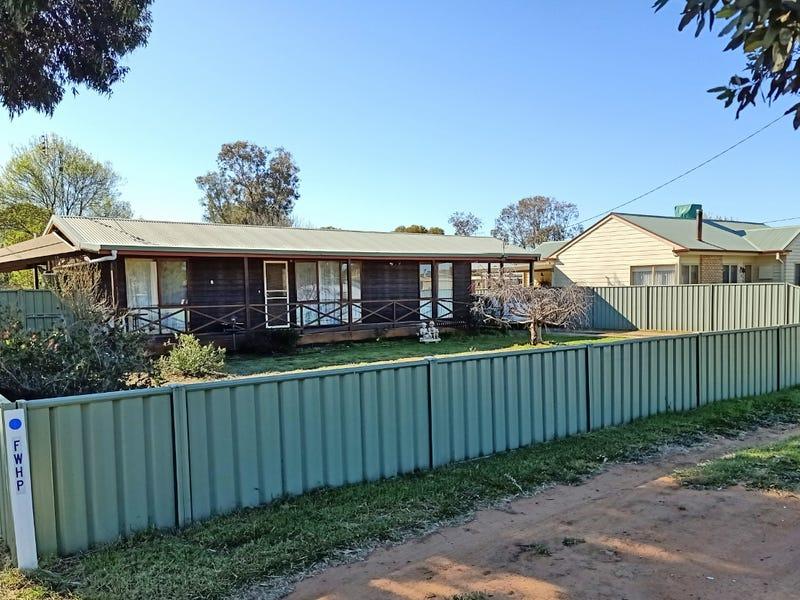 16 Mitchell Street, Mathoura, NSW 2710