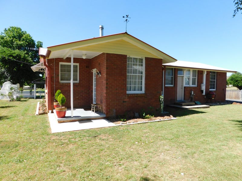 11 Stoke Street, Adaminaby, NSW 2629