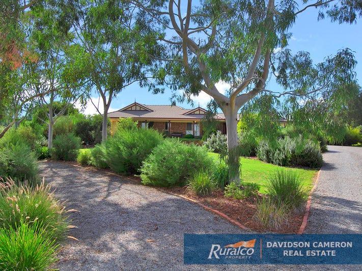 22 Meadowbanks Drive, Tamworth, NSW 2340