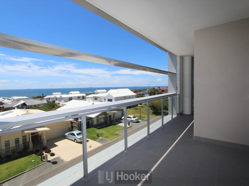 208/55E Caves Beach Road, Caves Beach, NSW 2281