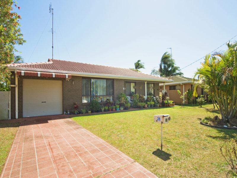 39 Blundell Boulevard, Tweed Heads South, NSW 2486