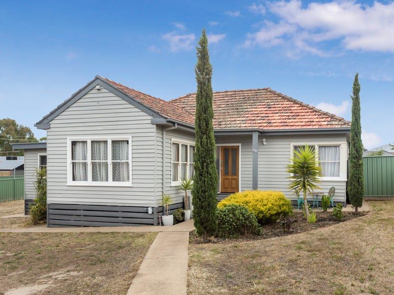 38 Muriel Street, Kangaroo Flat, Vic 3555